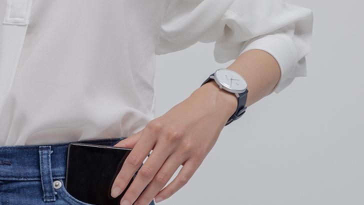 Xiaomi выпустила умные часы в стиле классических часов