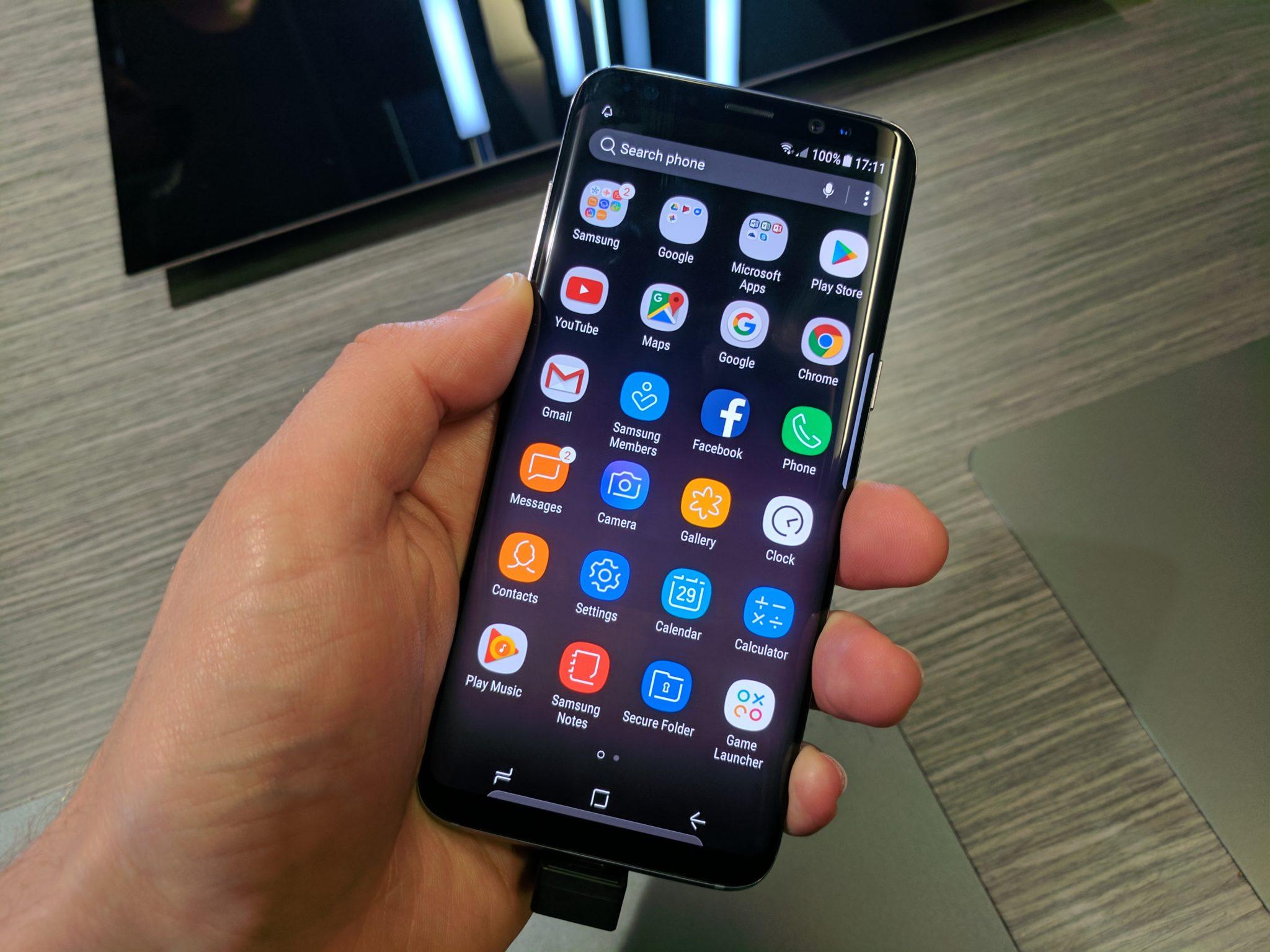Пользователи не могут удалить приложение Facebook со смартфонов Samsung